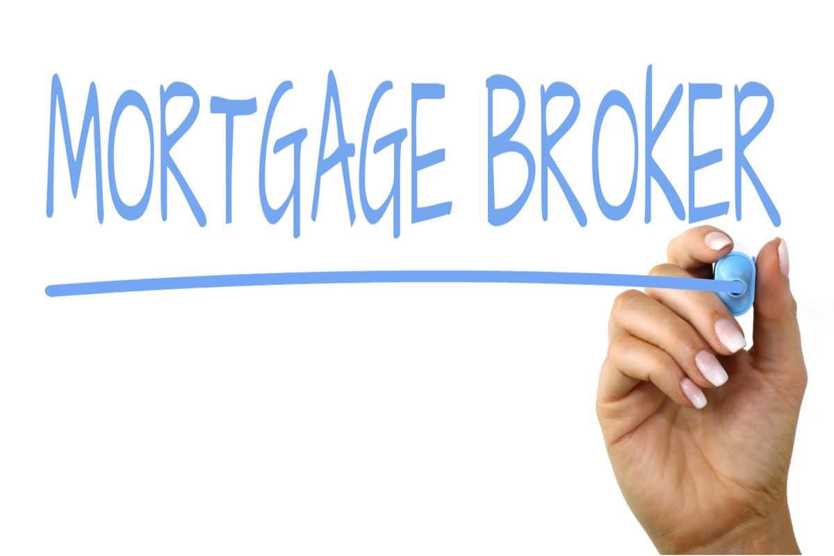 5 Key Benefits a Mortgage Broker in Chicago  Can Give You That a Bank Can't